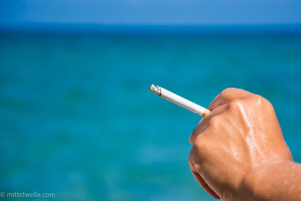 wpid4161-Rauchen-am-Strand.jpg