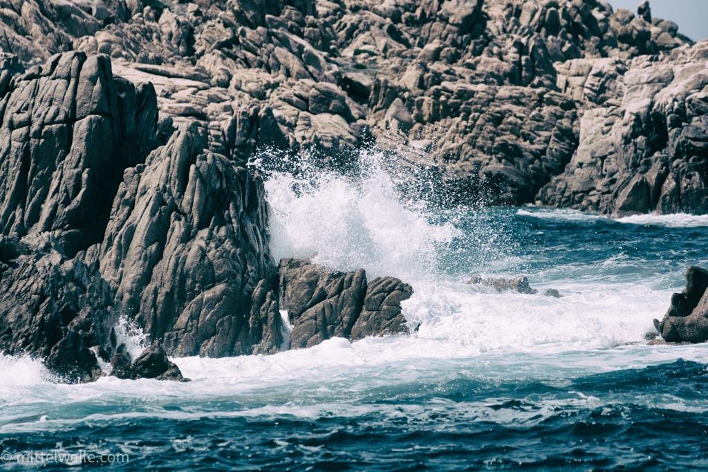 wpid4245-Felsen-im-Meer-Sardinien.jpg